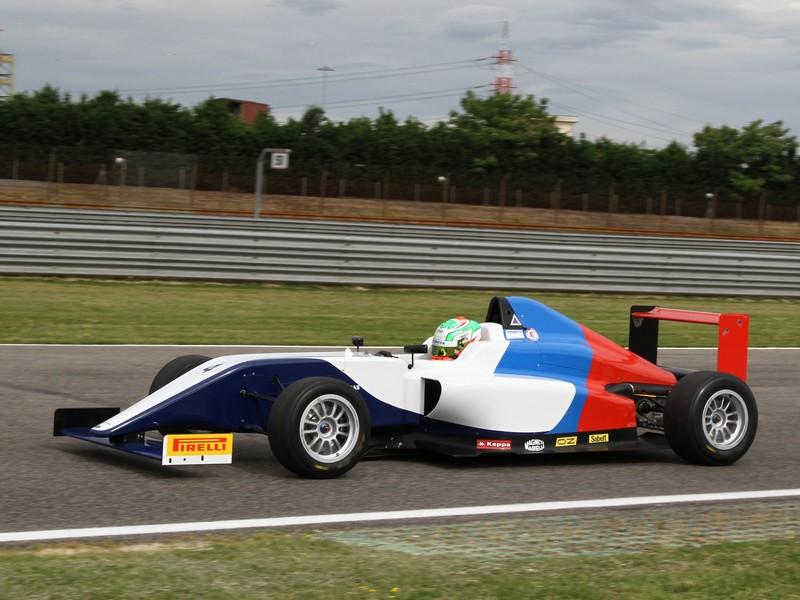 Bmw Z4 Gt3 E La Formula 4 Sul Simulatore Di Guida Hrs